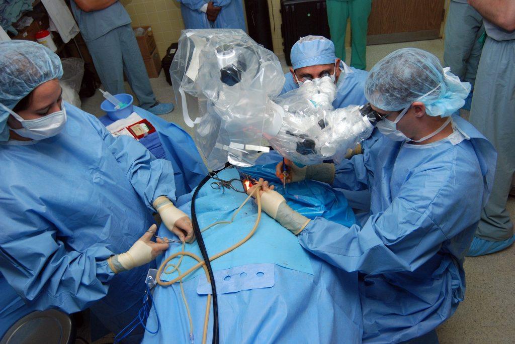 כל מה שצריך לדעת על הזרקות, טיפולים אסתטיים וניתוחים פלסטיים